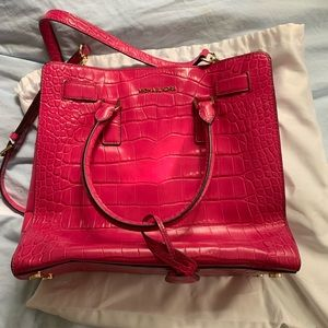 Michael Kors Dillon Large Croc Embossed Fuchsia
